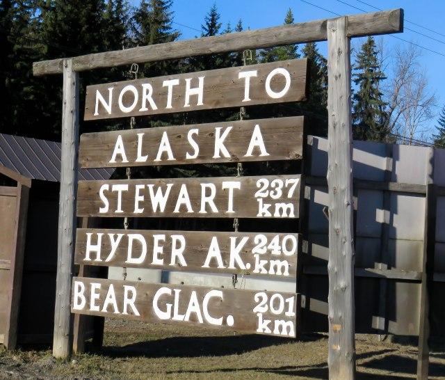 North the Alaska sign