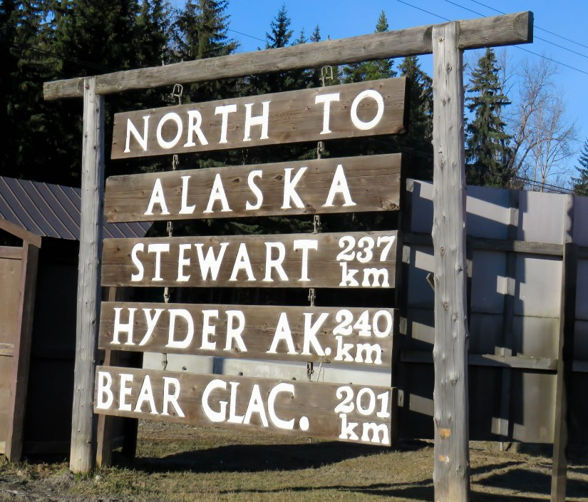 North the Alaska sign